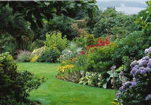 7 guidelines creativity with your garden designs the