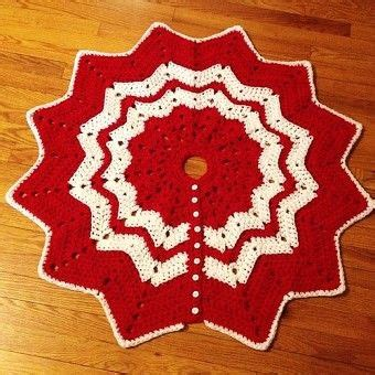 knitting pattern christmas tree skirt 17 best images about crochet christmas tree skirts on