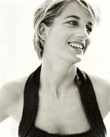 Vanity Fair Diana Renascimento S 205 Mbolo De Eleg 194 Ncia Princesa Diana
