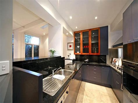 Modern U Shaped Kitchen Designs | modern u shaped kitchen design using marble kitchen