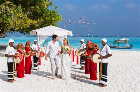 Destination Weddings: A Maldivian Dream   Maldives Resort