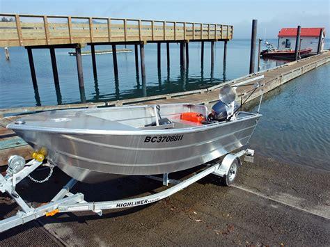 aluminum fishing boat carpet 14 open boat deep vee aluminum boats by silver streak