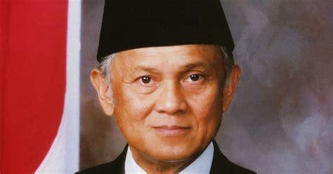 biografi b j habibie wikipedia indonesia biografi singkat b j habibie menjadi lebih baik
