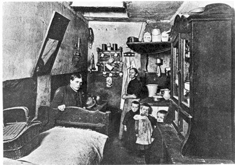 Wohnung Industrialisierung by Un D 237 A En El Wannsee Berl 237 N Con Gorro Y A Lo Loco
