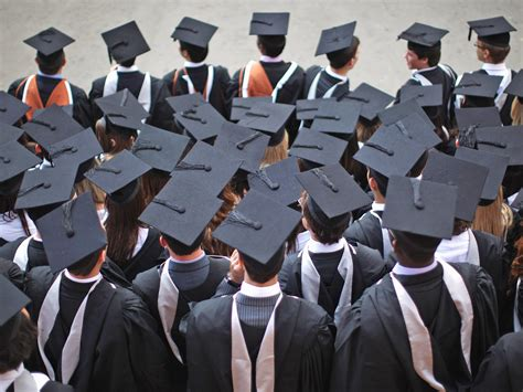 Mba Graduation Pictures Background by Universities Of Oxford And Cambridge Failing Poor