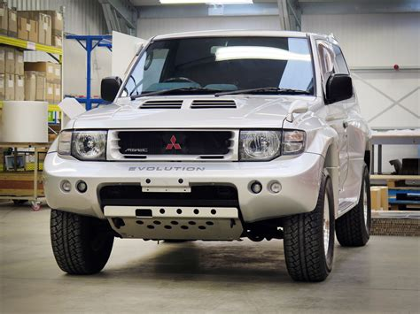mitsubishi pajero 1998 1998 mitsubishi pajero evolution has a cool story to tell