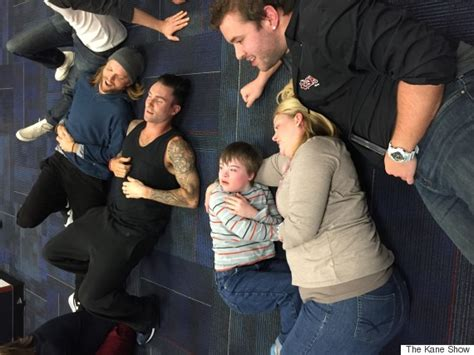 maroon 5 kids adam levine is pretty much perfect when fan with down