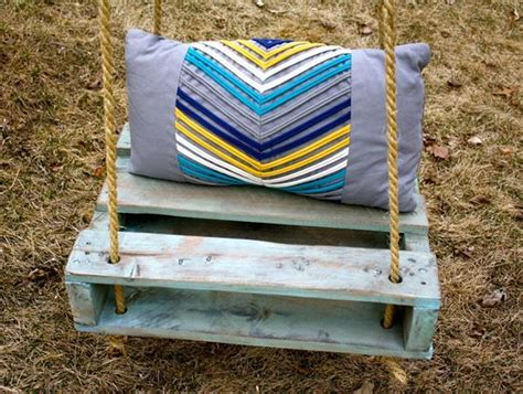 diy pallet swing diy inspired pallet swing ideas diy and crafts