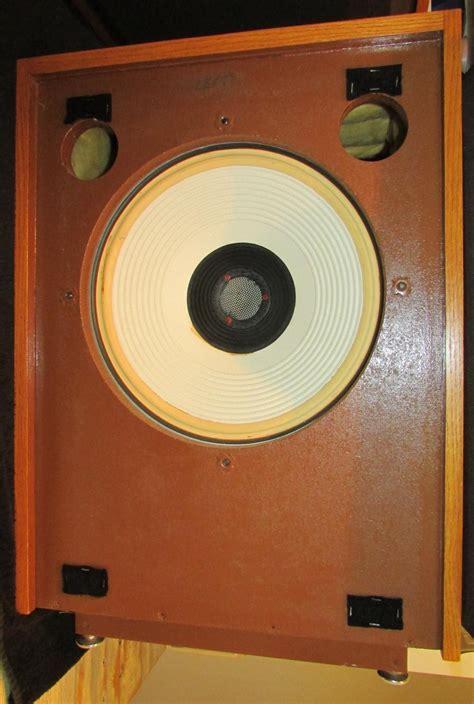 Beberapa Speaker Vintage Jbl help identify my vintage jbl speakers