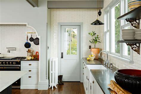 victorian style kitchen  catchy details  color spots