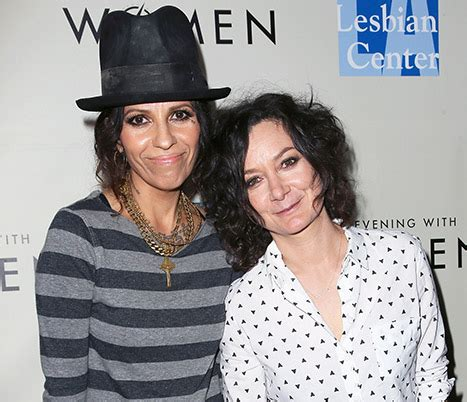 linda perry siblings sara gilbert is expecting her first child with linda perry