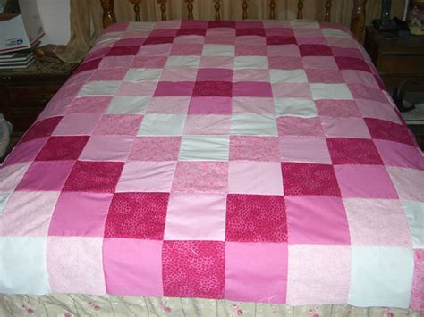 Easy Patchwork Quilt Patterns - make an easy weekend patchwork quilt topper