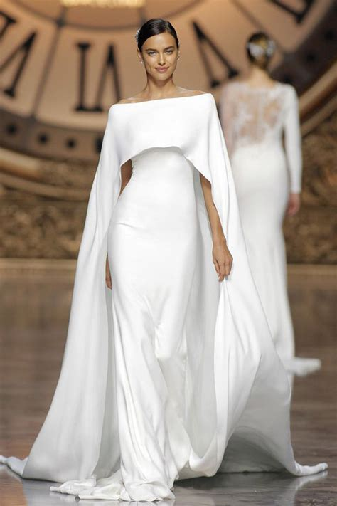 Wedding Dress With Cape by 14 Cape Wedding Dresses For A Trendy And New Bridal Look