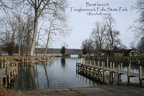 boat launch cayuga lake taughannock falls state park is located in the town of