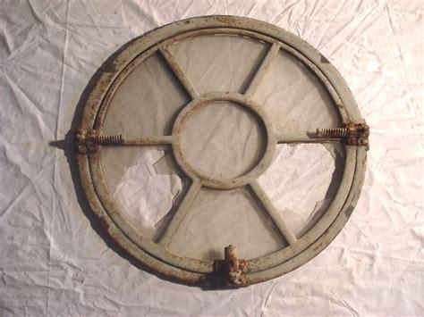 oeil de boeuf porte 4212 portes et fen 234 tre d 233 poque en fonte et en vieux bois