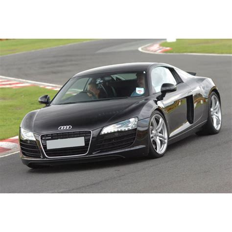 audi r8 experience day audi r8 thrill experience days zavvi