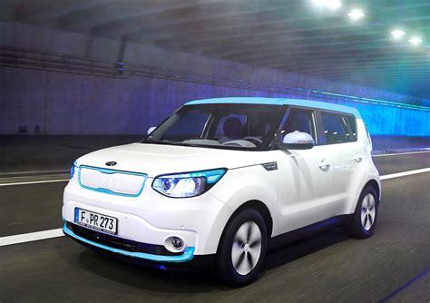 Kia Eco Car Hyundai Kia S Two Track Approach To Eco Friendly Future