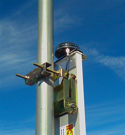 174 protective vents improve antenna alignment monitoring by reducing condensation