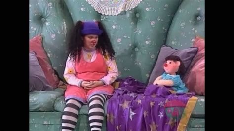 big comfy couch youtube big comfy couch wrong side of the couch 1 of 3 youtube