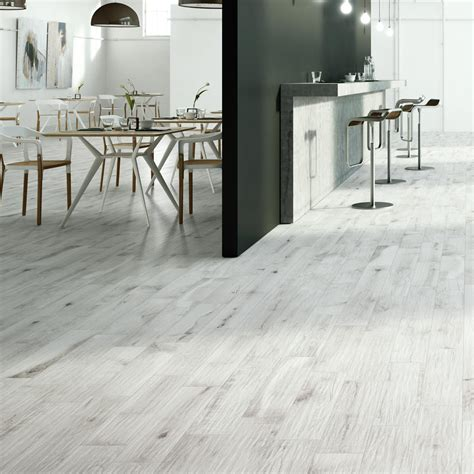 Oslo White   Wood Effect Tiles   Porcelain Superstore