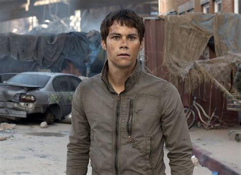 maze runner next film dylan o brien s injuries further delay maze runner the