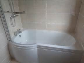 remove corner bath and fit p shaped shower bath