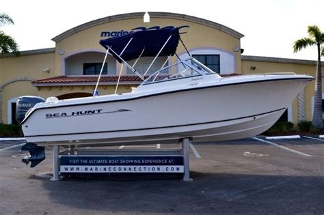 used sea hunt boats for sale used 2005 sea hunt escape 220 dual console boat for sale