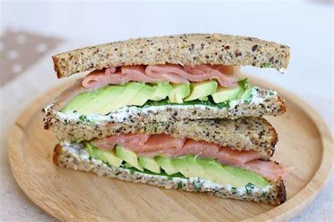 sedano rapa bollito toast con avocado e salmone ricetta spuntino