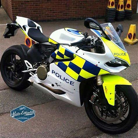 ducati panigale  polis motoru moto etkinlik
