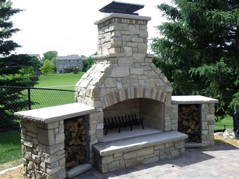 wood burning fireplace design Landscape Traditional with