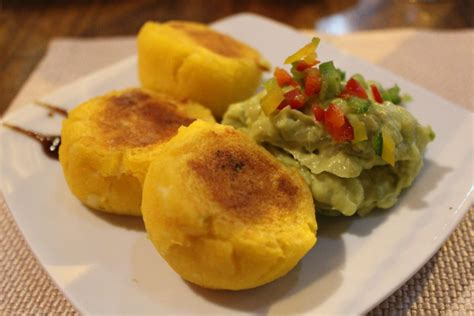 r駭ovation cuisine qu饕ec foods you must try in quito toronto