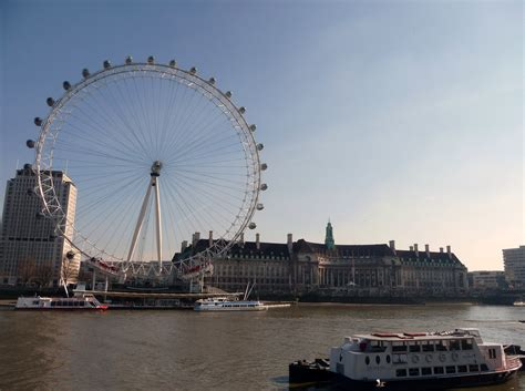thames river boat cruise and london eye file london westminster river thames and london eye