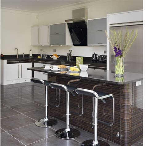 kitchen islands with breakfast bars white kitchen island with breakfast bar captainwalt com