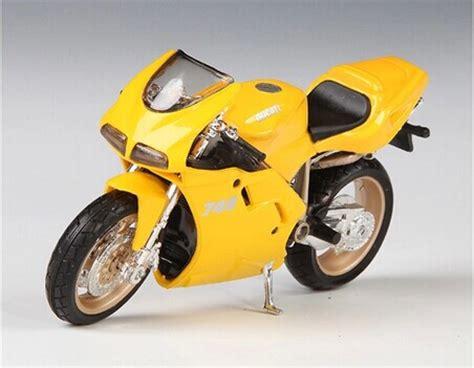 Maisto Motor Ducati Scrambler Yellow Skala 118 yellow 1 18 scale maisto diecast ducati 748 motorcycle