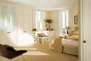 Soft Yellow Bedroom » New Home Design