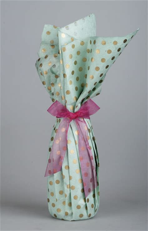 gift wrapping wine bottles gift wrap ideas
