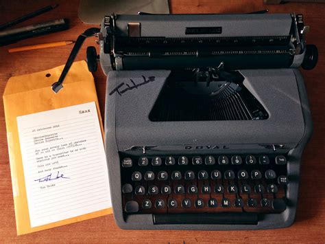 Tom Hanks Criminal Record Tom Hanks World S Coolest Dude Sends Fan A Typewriter From His Personal Collection