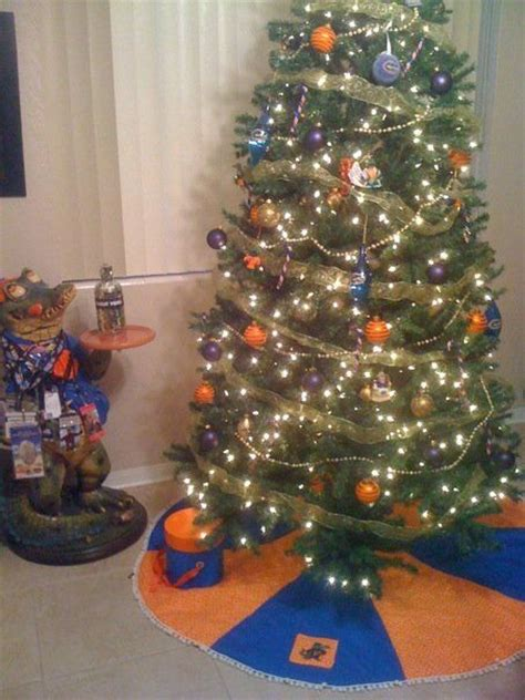 Modern Fall Decorations - christmas tree fabrictherapy