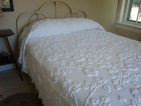 vintage coverlet cabin crafts vintage chenille bedspread dripping with climbing
