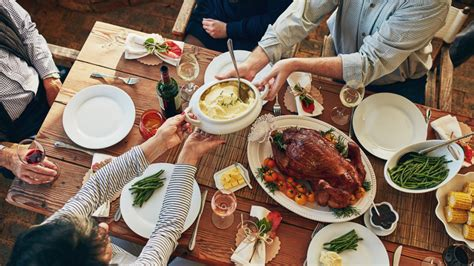 how to host a thanksgiving in a small space realtor
