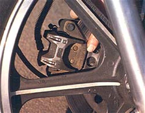Motorrad Batterie Mit Destilliertem Wasser Auff Llen by Motorrad Tipps Quot Fr 252 Hjahrscheck Quot Winni Scheibe