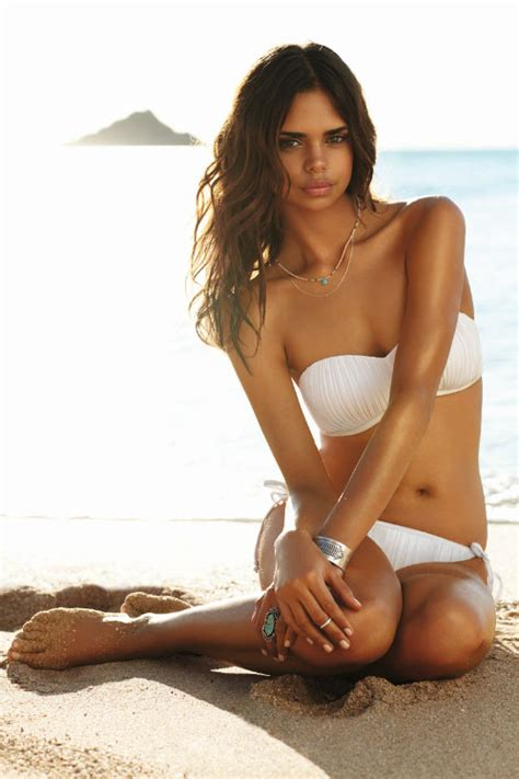 samantha harris wants to become a victoria s secret model see all the hot swimsuit models of seafolly a rewind
