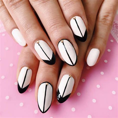 Nail Black And White Easy