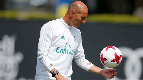 imagenes zidane real madrid zidane will rotate his team from first minute marca in