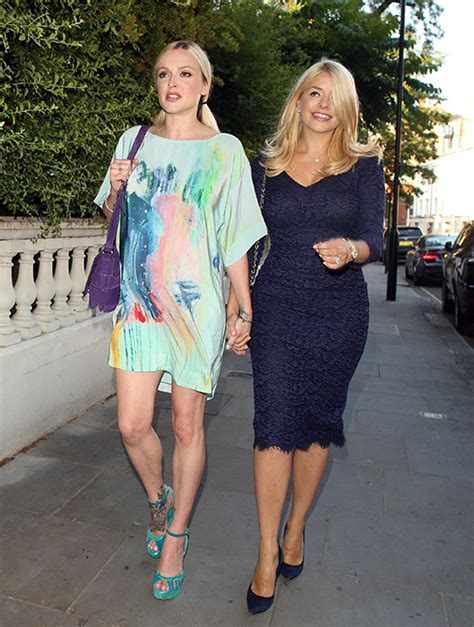 holly stars holly willoughby leads stars in congratulating fearne