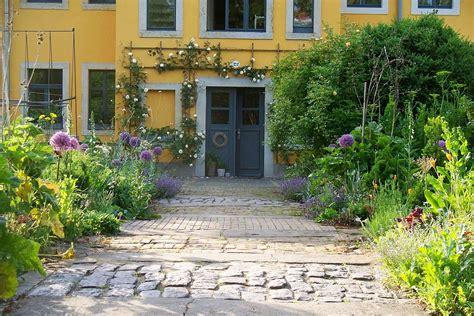 Garten Mieten Dresden Neustadt by Dresden Ferienwohnung Lisbeth Mit Garten Und R 228 Der