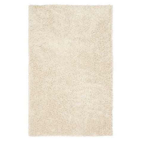white rug with thick pile for great fluffy snow effects