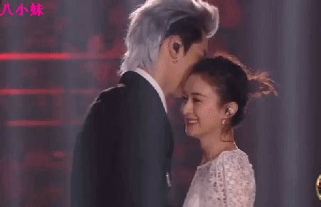 Liying Fn Weibo Go Wu Yifan And Zhao Liying Performs Together For