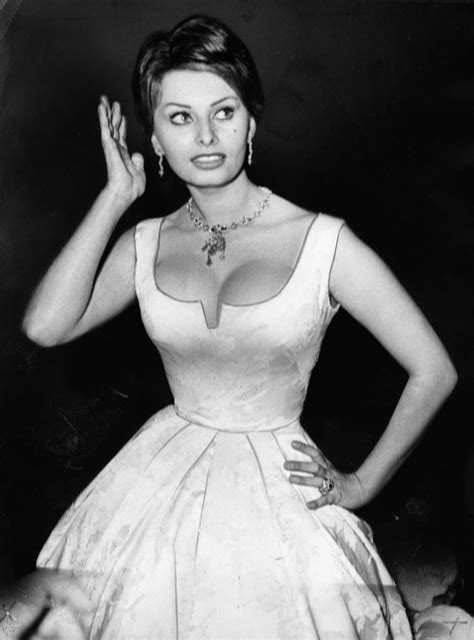 sophia loren hourglass 74 best images about sd icons celebs on pinterest anne
