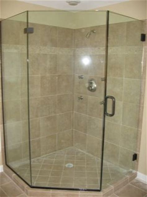 Neo Angle Glass Shower Doors Best 25 Neo Angle Shower Doors Ideas On Neo Angle Shower Corner Showers And Small